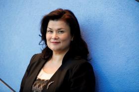 Ayin Roportaji - Emine Bozkurt; Göçmenlere tanınan hakların hepsinin altında PvdA'nın İmzası Var