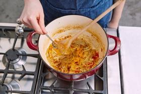 Evde köri sosu nasıl yapılır?