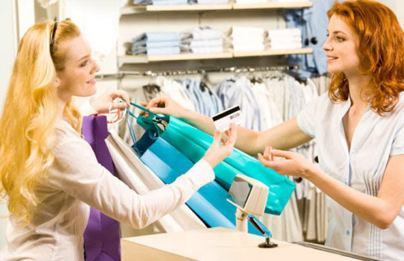 essay about shopping at stores and shopping online